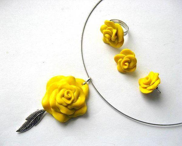 #Set #bijuterii #colier , #cercei si #inel #trandafiri galbeni #fimo - #culoare #galbena