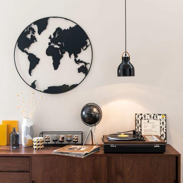 wanddeko weltkarte aus metall schwarz mit lochmuster d80 map maisons du monde globe decor world wall weiße wanddekoration ikea