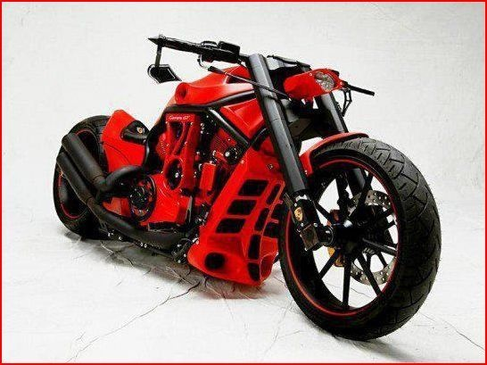 Harley Davidson V-rod// red edition