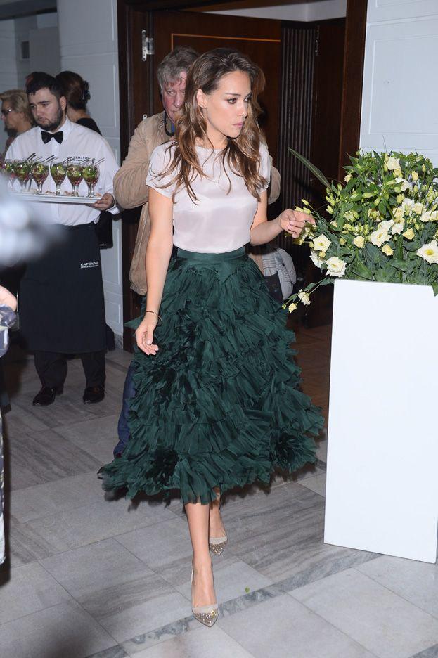 Alicja Bachleda-Curuś - midi green skirt