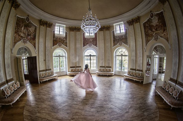 #dress #palace #architecture #fashion #model #dance #session #beauty