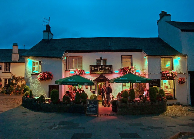 The King S Arms Hotel At Dusk This Is One Of Many Great Old Pubs In Lake District Area England It Located Ancient Township Hawkshead