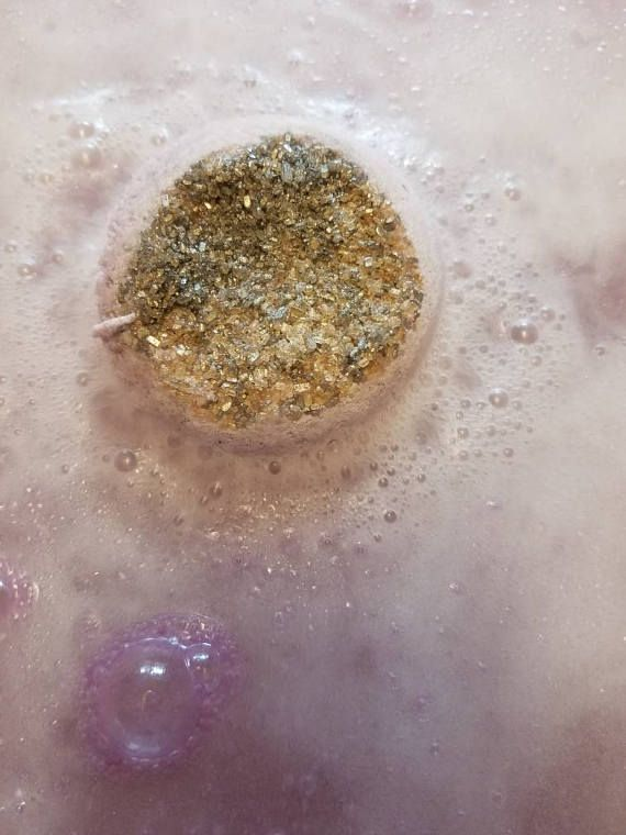 The Funky Bath Shop Presents- Lavender Pipe Dream  This solid 6oz lavender bath bomb with touches of amber is just dreamy. With my long lasting recipe, this bath bomb will sure leave you feeling fresh and relaxed. Products only tested on humans. 🤗  All ingredients USDA approved. New recipe with no corn starch.