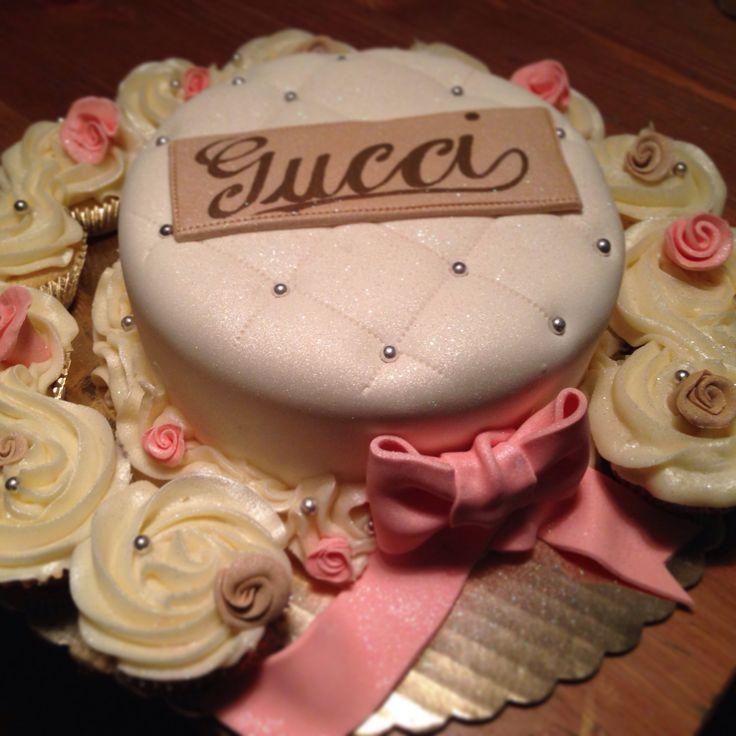 The 25 Best Gucci Cake Ideas On Pinterest Birthday Cake