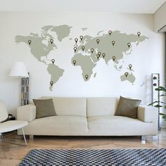 Gaaf voor boven de bank, en elke keer dat je weggeweest bent gewoon weer een plakkertje erbij :)  LARGE World Map Wall Decal Sticker 7ft x 3.47ft Vinyl Wall Stickers Decals With Pins on Etsy, $66.93