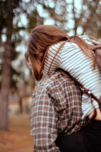 Fotó: Tanulj meg a mostban élni, s annak minden egyes pillanatát megélni! Ha szeretsz valakit, mutasd ki a szeretetedet most! Ha valakivel rég beszéltél, beszélj vele most! Ha valaki hiányzik, hívd fel most! Ha valaki fontos neked, legyen fontos most! Ha valakit látni szeretnél, menj el hozzá most! Ha valakin segíteni szeretnél, segíts neki most! Ha valakit megbántottál, kérj tőle bocsánatot most! Ha valaki bocsánatot kér tőled, bocsáss meg neki most! Ha valakit szeretnél meglátogatni…