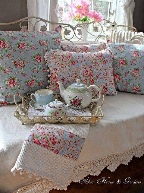 Meer dan 1000 afbeeldingen over shabby chic op pinterest chique slaapkamers cottages en ana rosa - Shabby chique kamer ...