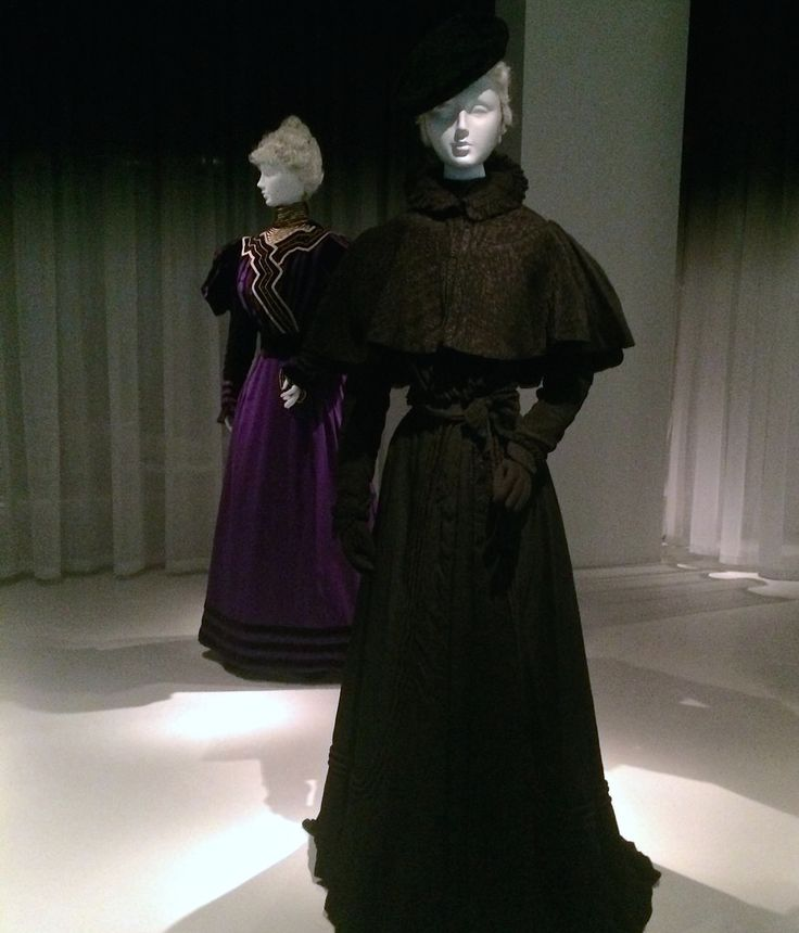 Fin de Siecle mourning ensembles from 1895 A.D. In the Death Becomes Her exhibition at the Met Museum.