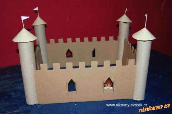 Hrad či zámek