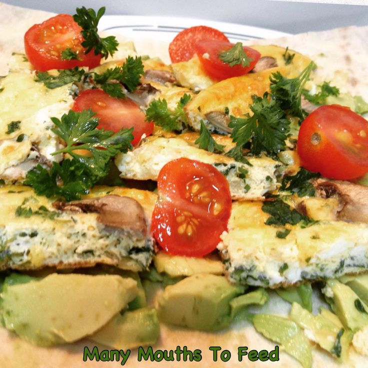 Omelette with avocado & cherry tomatoes