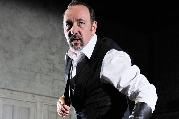 kevin spacey richard iii | Kevin Spacey as Shakespeare's Richard III in Sam... | Shakespeare ...
