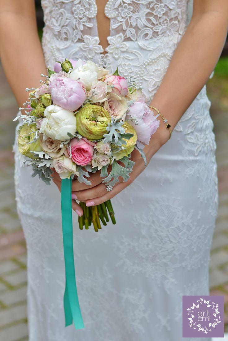 #artemi #florist #floralart #floraldesign #floralartist #weddings #weddingday #slub #wesele #dekoracje #decorations #weddingdecorations #weddinddecor #flowers #flowersdecor #weddingflowers #bride #groom #forbrideandgroom #pastels #mint #turquoise #pink #bukiet #bukietslubny #bukietpannymlodej #bridalbouquet #bouquet #weddingbouquet #weddingdetails #littledecor #forher #dlaniej #roses #peony #peonies