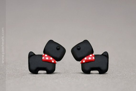 He encontrado este interesante anuncio de Etsy en https://www.etsy.com/es/listing/195706468/scottish-terrier-earrings-polymer-clay