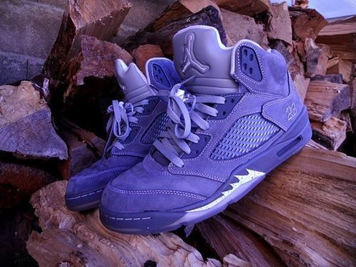 Wolf Grey Air Jordan V. #sneakers shopping now on the website www.diybrands.co can get 10%-15% discount with the original package and fast delivery provides the high quality replicas such as the LV ,Gucci ,Dior ,Nike,MK ,DG ,Burberry and so on