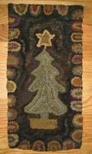 Christmas tree Design Star Rug Co. hooked by jennifer McKelvie