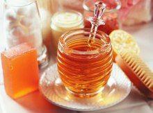 Eclaircir ses cheveux naturellement grâce à ce masque au miel (thé vert + 4 cc miel + 1 jus citron + 1 cc huile olive)