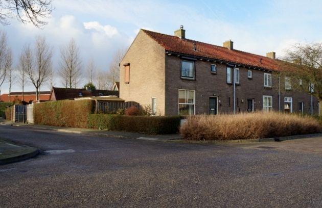 Te koop: Wilhelminastraat 17, Kortgene - ISM Makelaars Vraagprijs € 125.000,- k.k. Hoekwoning met garage en tuin (ZW)