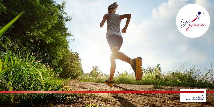 """Her vücut tipinin egzersizi farklıdır. En şanslı vücut tipi diye bilinen ve """"Kum saati"""" diye adlandırılan bir vücut şekline sahipseniz, yapmanız önerilen egzersizler #İyiYaşa'da..."""