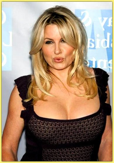 coolidge single girls One of her most famous roles is playing cougar 'stifler's mom' the american pie films and as american reunion hits screens, it appears actress jennifer coolidge's.