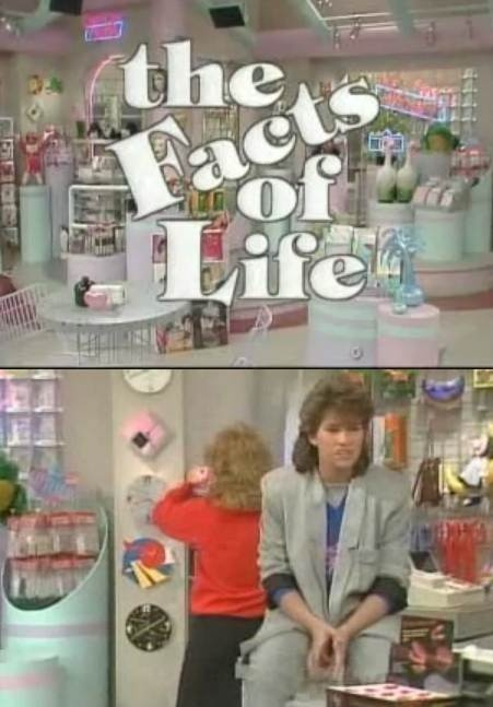 Did anyone else wanna go shopping at their little store?? I used to think it was so cool!!!