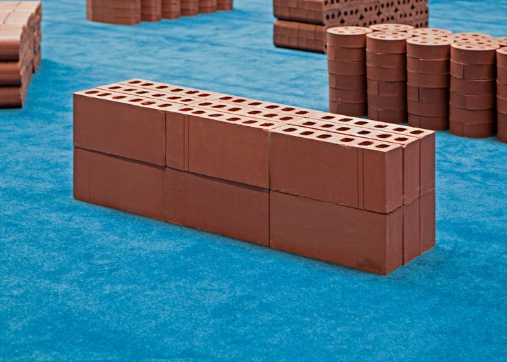 Heavy Formal Exercise is an installation made by M–L–XL studio for Self Publish, Be Happy in occasion of Endless Bookclub – a socially diverse forum for the exchange of ideas about art books. Tate Modern, May 2017. #bench #bricks #heavyformalexercise