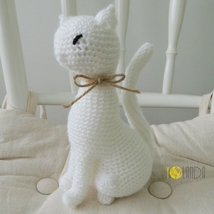 Crochet. Cat. Handmad. Toy. Decoration