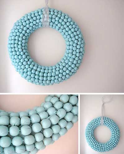 Tiffany blue acorn wreath...I'm in love!  {spray-painted Dollar store straw wreath + a billion acorns from your local oak tree at the park}  :)
