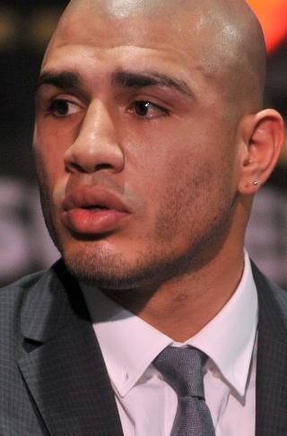 Miguel Cotto gotta rep for my Ricans out there.