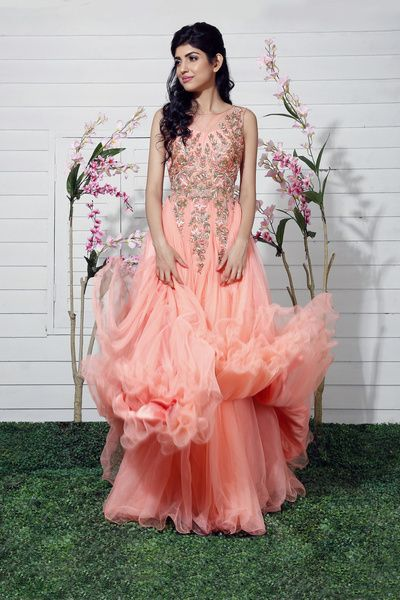 pastel pink gown, sleeveless gown, ruffled gown, embrpoidered bodice, engagement gown, sleeveless gown, sister of the bride, wavy hairstyle for engagement, medium length hair, peach gown, cocktail gown, net gown, vintage gown, elegant gown