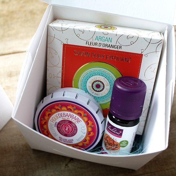 Caja regalo mini karité  ¿Te gustan nuestras cajas mini? Siempre es buen momento para un regalo.