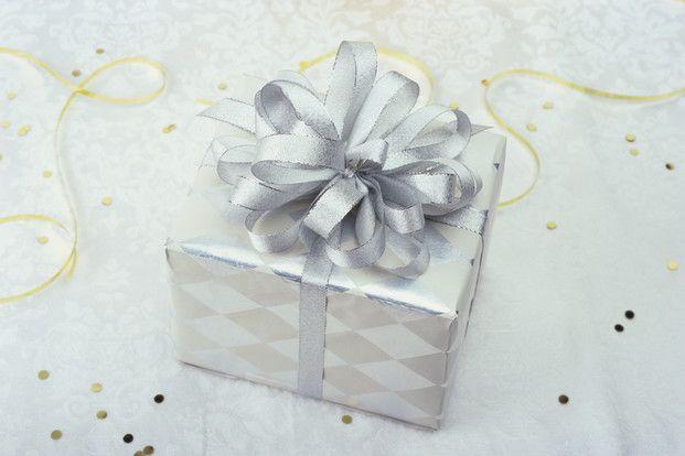 ずぼら女子でも簡単キレイに結べる、リボンの結び方をご紹介!バレンタインやお誕生日プレゼントのラッピングに覚えておくと便利ですよ♡