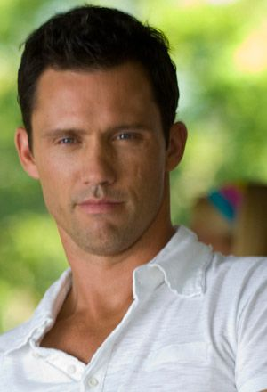 Jeffrey Donovan, Burn Notice, I like him because he did a PSA to help rebuild schools in haiti, he cares and for that, I like him!