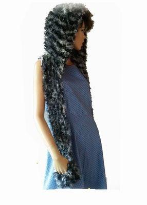Sjaal met kap  Te koop voor 10 €