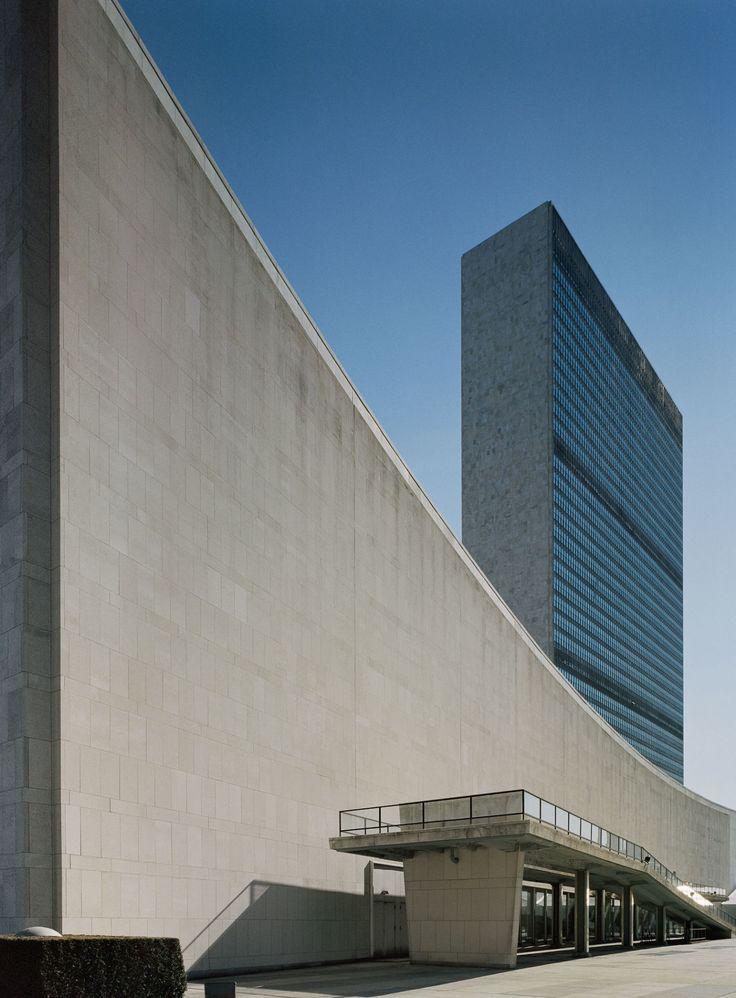 Oscar Niemeyer, Le Corbusier, Harrison & Abramovitz, Åke E:son Lindman · United Nations Headquarters · Divisare