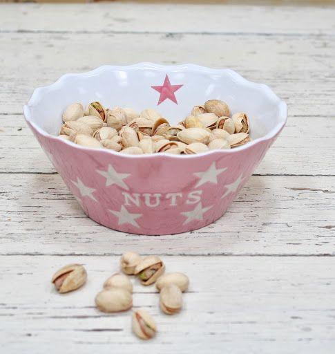 Schaaltje met sterren voor nootjes op tafel   Altijd leuk op tafel voor feesten en partijen   In meerdere kleuren verkrijgbaar   www.livingitup.nl