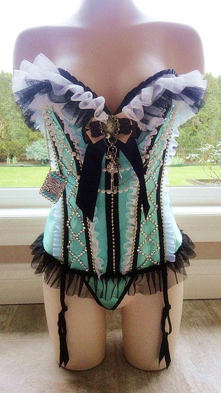 220Hey, I found this really awesome Etsy listing at https://www.etsy.com/listing/226382484/disney-alice-and-wonderland-corset