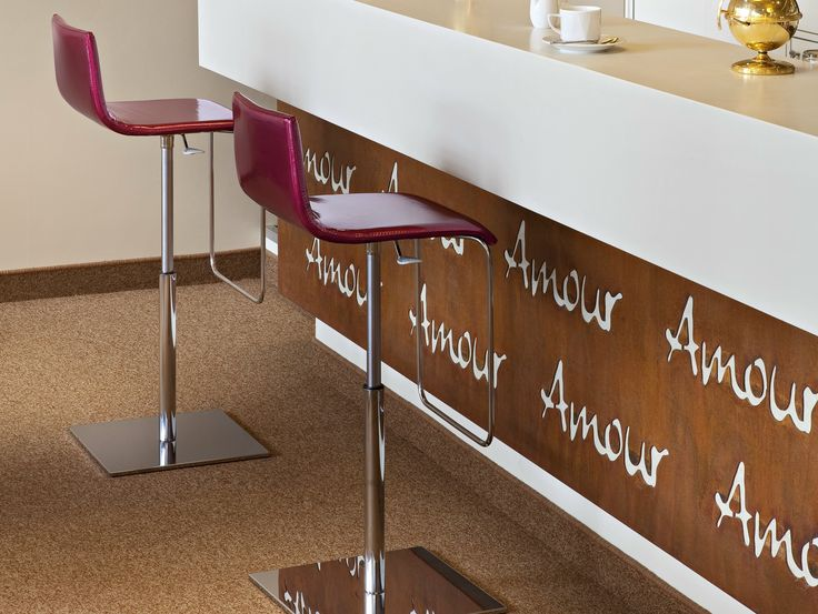 ANOUK Taburete ajustable en altura by ALMA DESIGN diseño Nicola Cacco