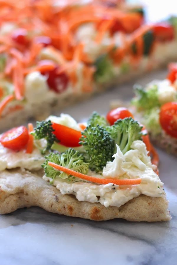 Fresh Veggie Pizza | Want an easy entertaining appetizer recipe? Try adding fresh vegetables to soft crescent dough crust!