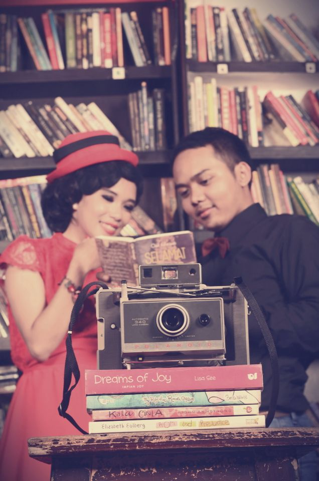 Book and Lomo  #photography #vintage #library #moment #concept #prawedding