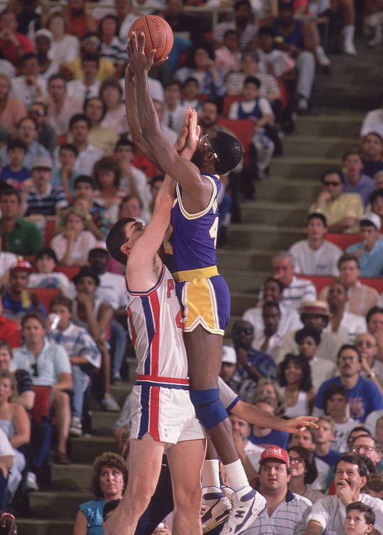 Bill Laimbeer all over James Worthy