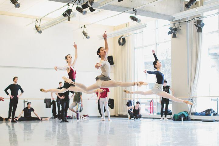 Kathryn Hosier, Jenna Savella and Miyoko Koyasu in company class. Photo by Karolina Kuras.