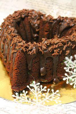 Kakkuviikarin vispailuja!: Konjakkinen suklaa-luumukakku