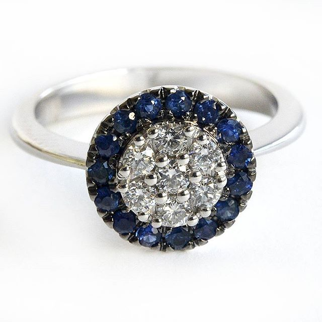 A ring of high quality diamond-studded that give luster and majesty to a timeless jewel, classic and refined. Perfect for an anniversary or engagement proposal.. Sapphire ct 0.30 Diamonds ct 0.25  #carinigioielli #sapphire #blue #diamond #timeless #love #proposal #anniversary #thehappynow #inlove #loveintentionally #oneofakind #fashion #instafashion #beauty #style #instagramers #weddings #bride #bridesmaids #theknot #cutecouple #novias #matrimonio #followme