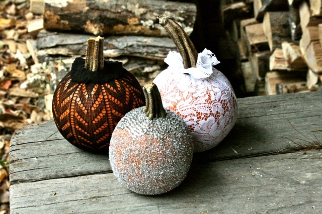 Love the idea of lace over pumpkin. So unexpected, but so pretty!