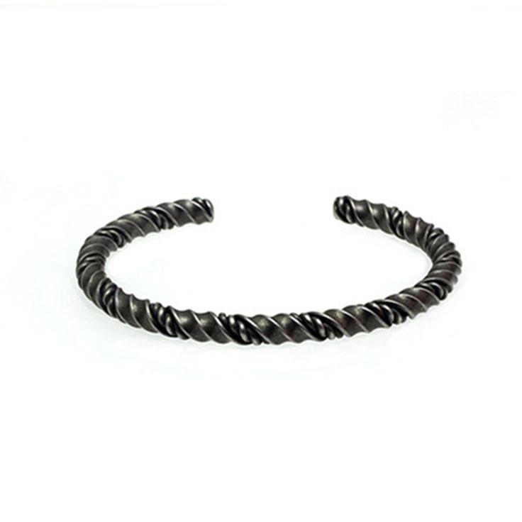 Trendy Design Men's Solid Cuff Bracelet Hand Made Mens Bracelet Couple Bangles Titanium Steel Cuff Bangle Man Bracelets