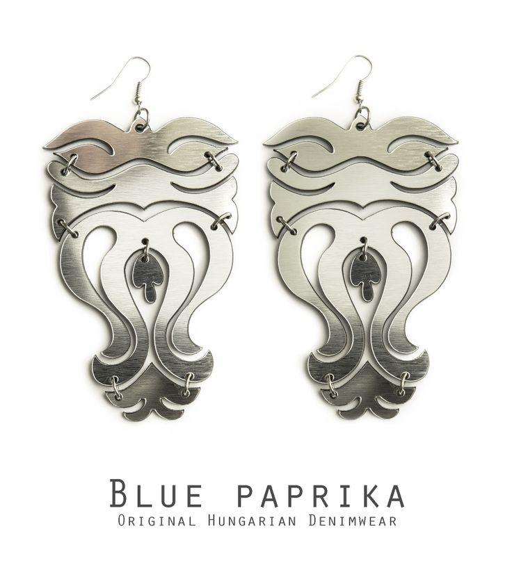 Ezüst színű sok leveles cifraszűr fülönfüggő