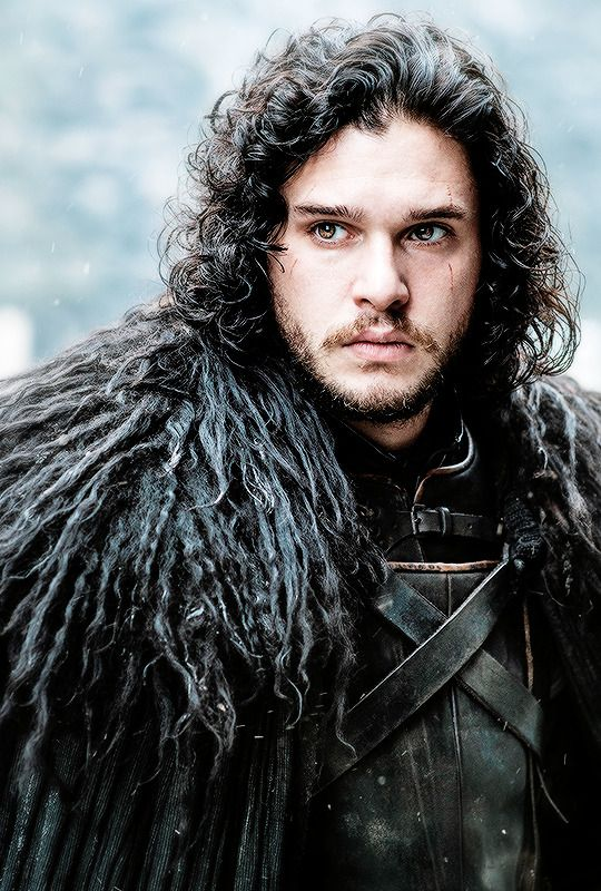 This is probably the best picture I've ever seen of Kit from GoT .... Oh Jon Snow.