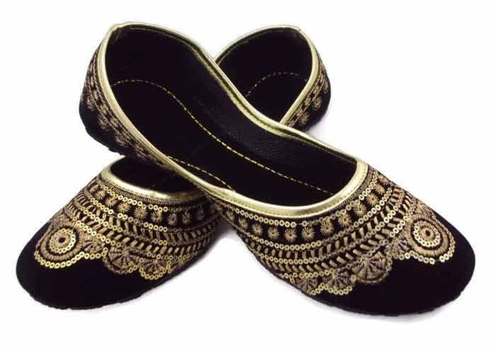 Black fancy khussa shoes designs