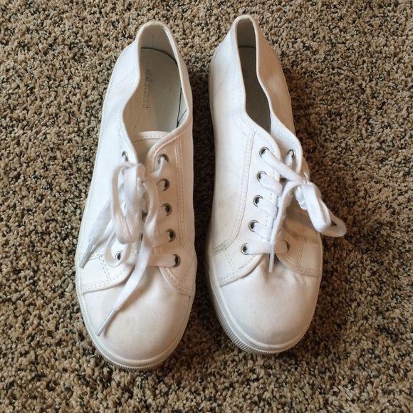 Target white platform sneakers Xhilaration brand white platform sneakers lightly worn Xhilaration Shoes Platforms