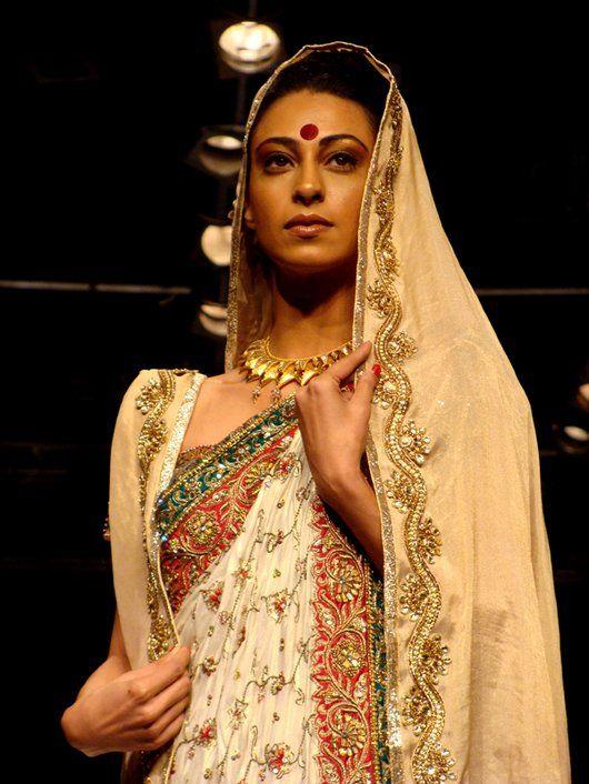Neeta Lulla embroidered saree